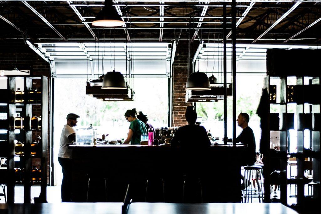 Twój pomysł na własny biznes? Gastronomia fit to dobre rozwiązanie dla pasjonatów dobrej kuchni i zdrowego stylu życia