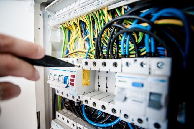rozdzielnie_elektryczne-658x438